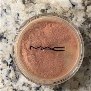 MAC Pearlizer Sheer Pigment - Apripeach